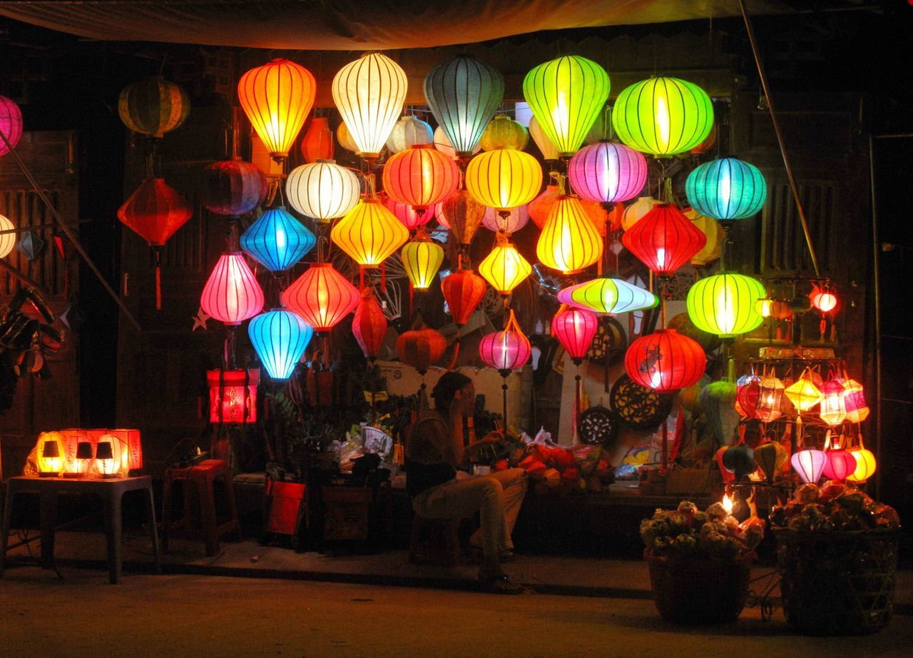 Illuminated Night Lighting Equipment Lantern Cultures Chinese Lantern Celebration Multi Colored Chinese Lantern Festival Architecture Women People Outdoors Paper Lantern Adult Large Group Of People Adults Only Eye4photography  Travel Photography Travel Destinations Vietnam Hoi An Weltblick From My Point Of View Chinese Lantern Festival