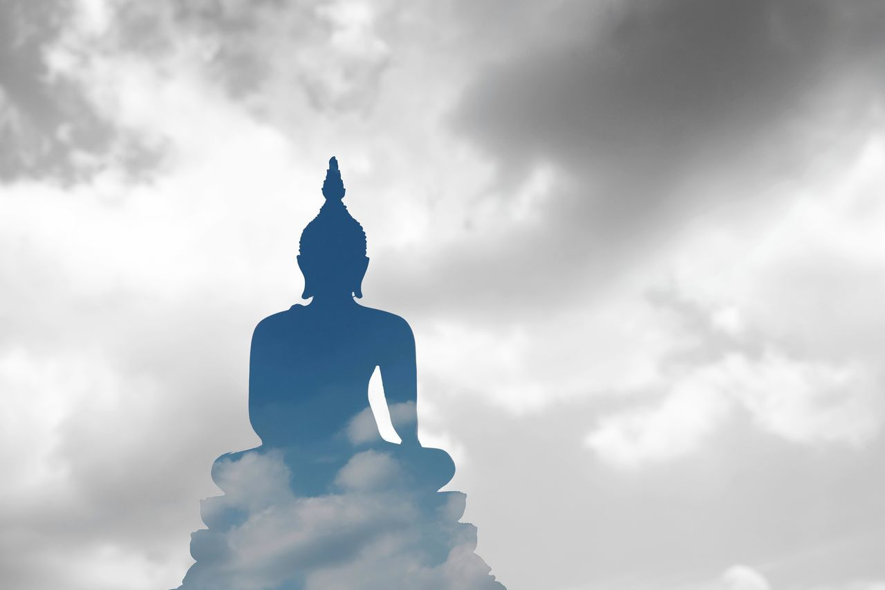 Silhouette Cloud Clouds And Sky Cloud - Sky Buddhist Culture Thailand Traditional Buddha Statue Budhist Buddhist Temple In Thailand Buddhist Temple Visakha Bucha Day Visakha Puja Day Sunlight Makhabucha Riligion Thailand Temple MakhaBuchaDay Morning Thailand Culture Vesak Day