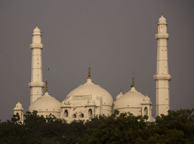 Architecture Religion Dome Lucknow👌City Lucknowdiaries Lucknow Teele Wali Masjid Mosque
