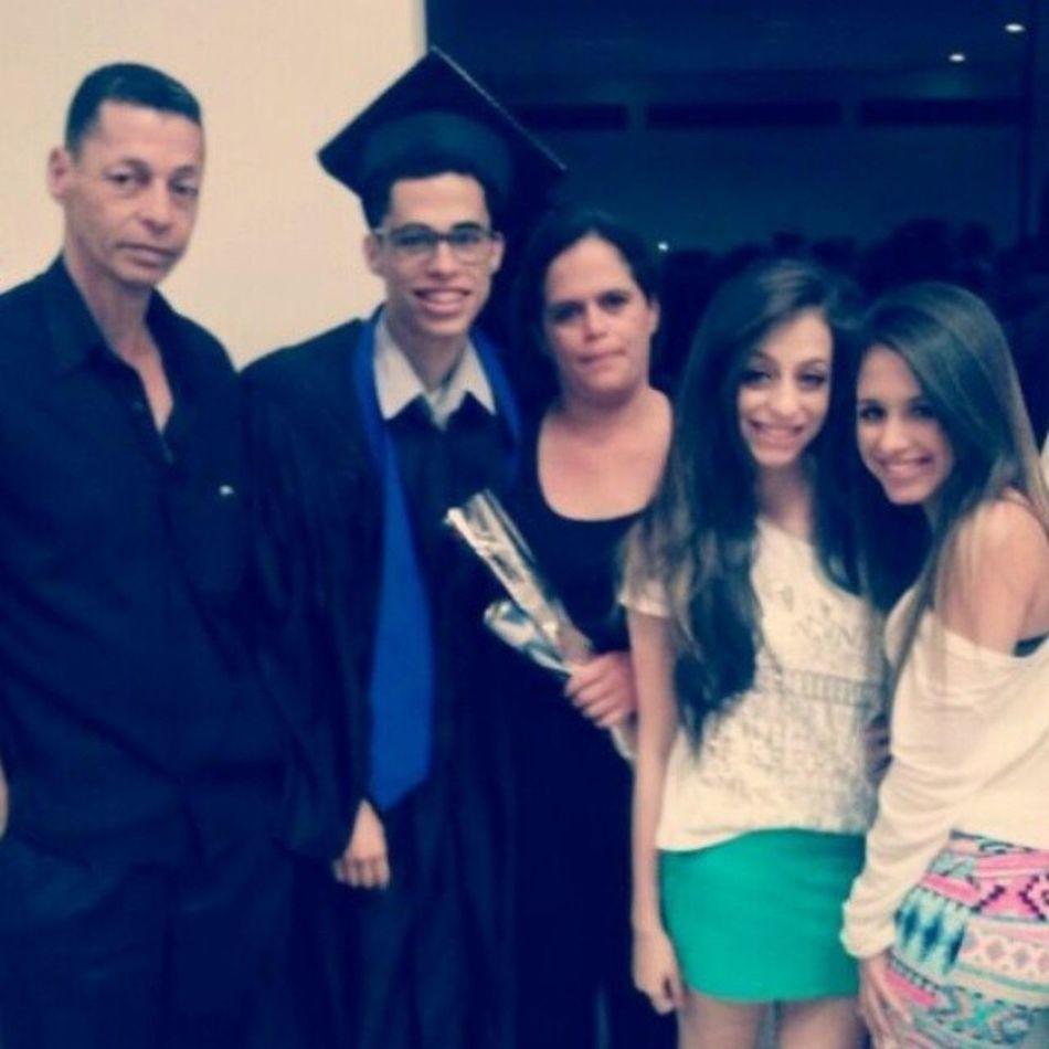 Quase um mês depois, já entrando na faculdade kk Formatura Colacao Etec Formado family