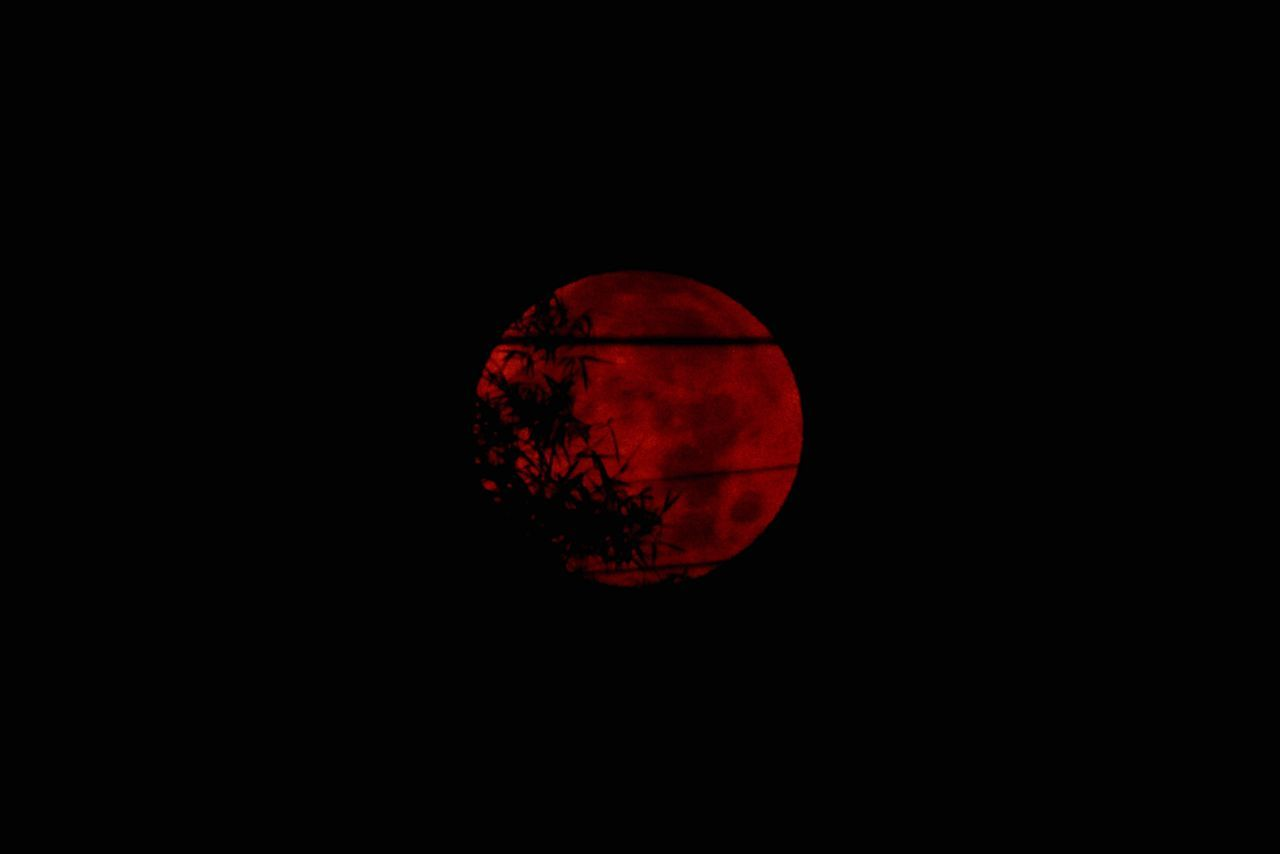 Red Black Background Close-up Night Nature Outdoors Astronomy Moon Moonphotography Pictures Tell A Story Makabuchaday red moon Moon Shots EyeEm Darkness And Light EyeEm Best Shots Beauty In Nature Eyeem Si Racha Si Racha 11 Feb 2017 วันมาฆบูชา เวลา 6:15 เช้า วันพระ Moonset Blood Moon Thailand