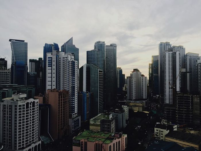 I just love taking such photos on my phone. Phoneography Phonecamera Phonegrapher City Buildings & Sky Architecture Towers