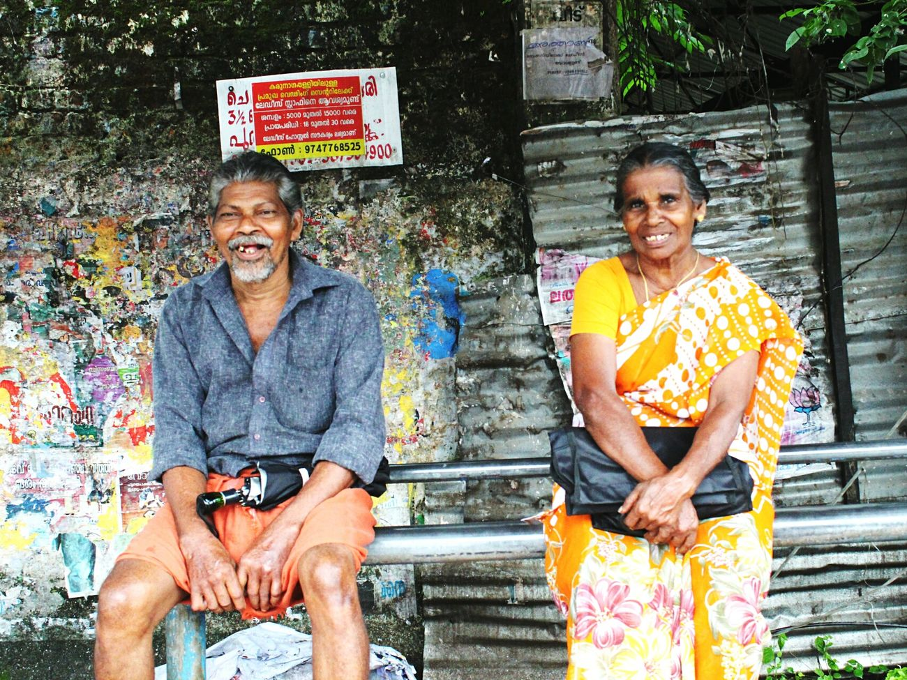 Bus Stop between Aluva and Athani. I cannot speak Malayalam and they do not speak english. The camera did all the talking. Old Folks Kerala India Amateur Photographer First Dslr Canon EOS 1300D Still Learning People The Week On Eyem Original Experiences Feel The Journey Showcase June