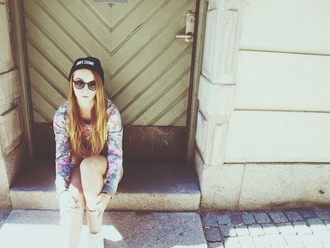 My hair looks yellow ☀ Hello World Stockholm Converse That's Me