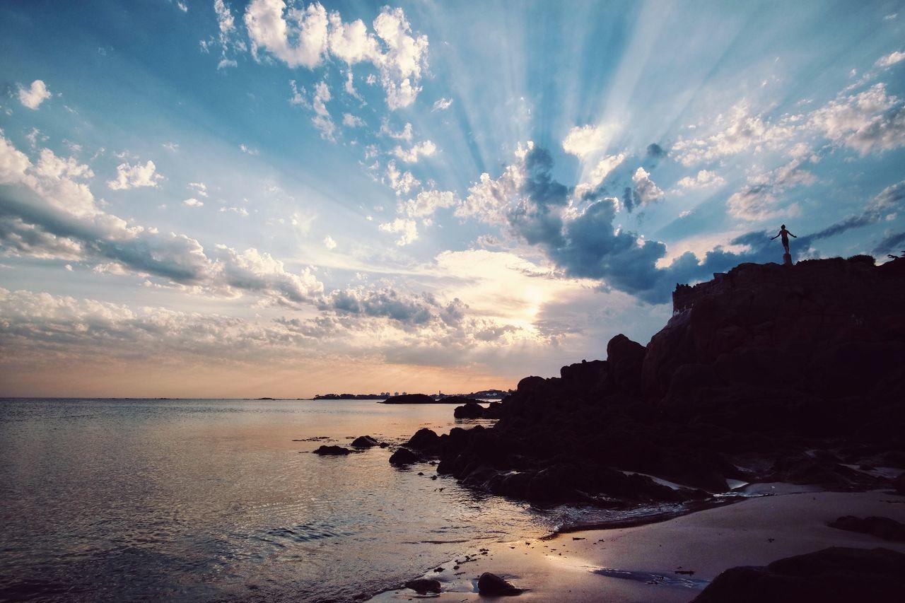 Enjoying the rays. Fujifilm_xseries Fuji X-T1 Sunshine Enjoying The Sun Summer Sky Crepuscular Rays Boy Samyang 12mm F2