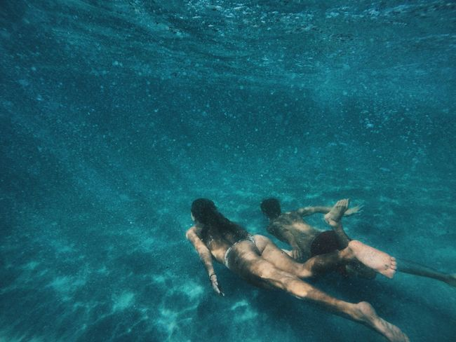 Time : 3:45 pm Blue Couple Couple Goals Day Goal Leisure Activity Lifestyles Low Section Martinique Nature One Person Outdoors People Real People Sea Swimming Swimming Pool UnderSea Underwater Water EyeEmNewHere