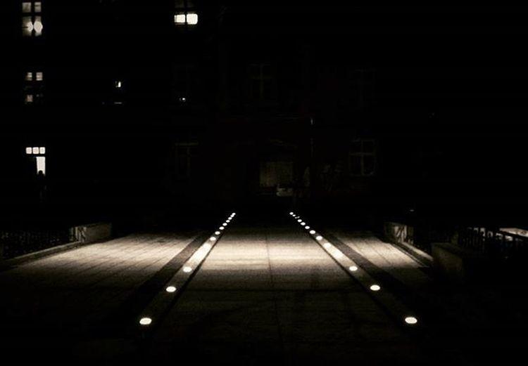 Lightway... Igers Igerspolska Igerspoland Igerswrocław Igerswroclaw Polska Poland Wrocław Wroclaw Wroclove Picoftheday Picofthenight Light Night Noc Swiatlo Światło Lowersilesia Dolnyslask Dolnyslask Nightlife Podworko Kamienica