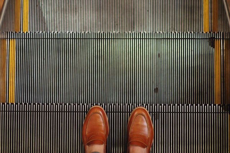 Going Down Fujifilm Fujifilm_xseries Fujifilm X-m1 Fujifilmkeerati Fujixm1 Escalator Loafers
