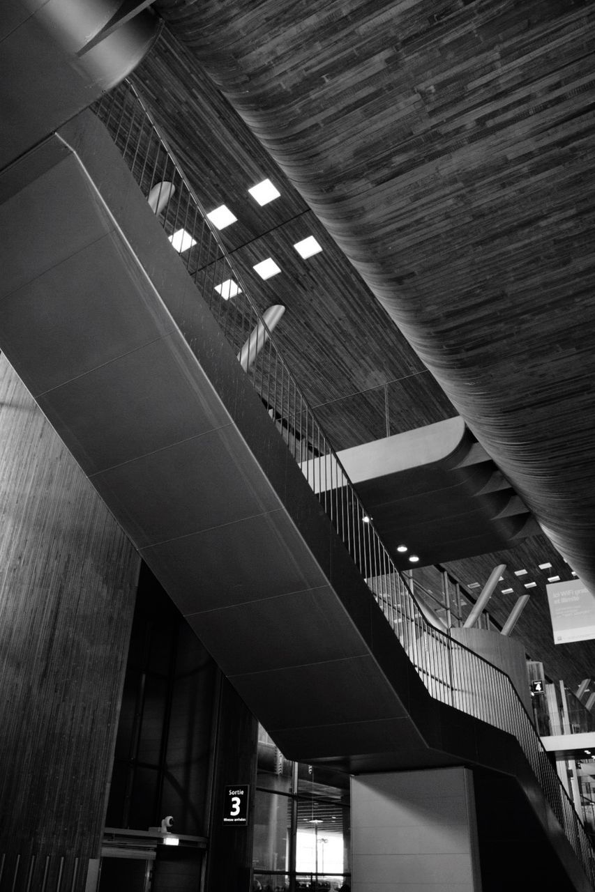 architecture, indoors, built structure, ceiling, low angle view, illuminated, no people, day, modern