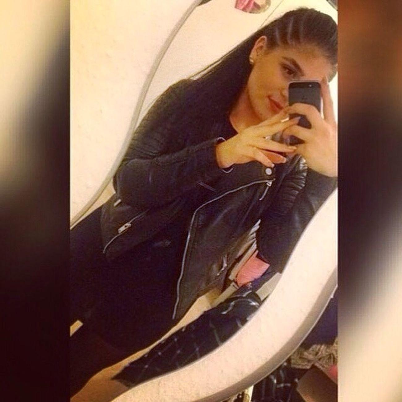 📸 Instagram: Mvxcln Beautiful Girl Smile Followme Follow4follow Photooftheday Brownie Goodgirl Young Women Selfie First Eyeem Photo