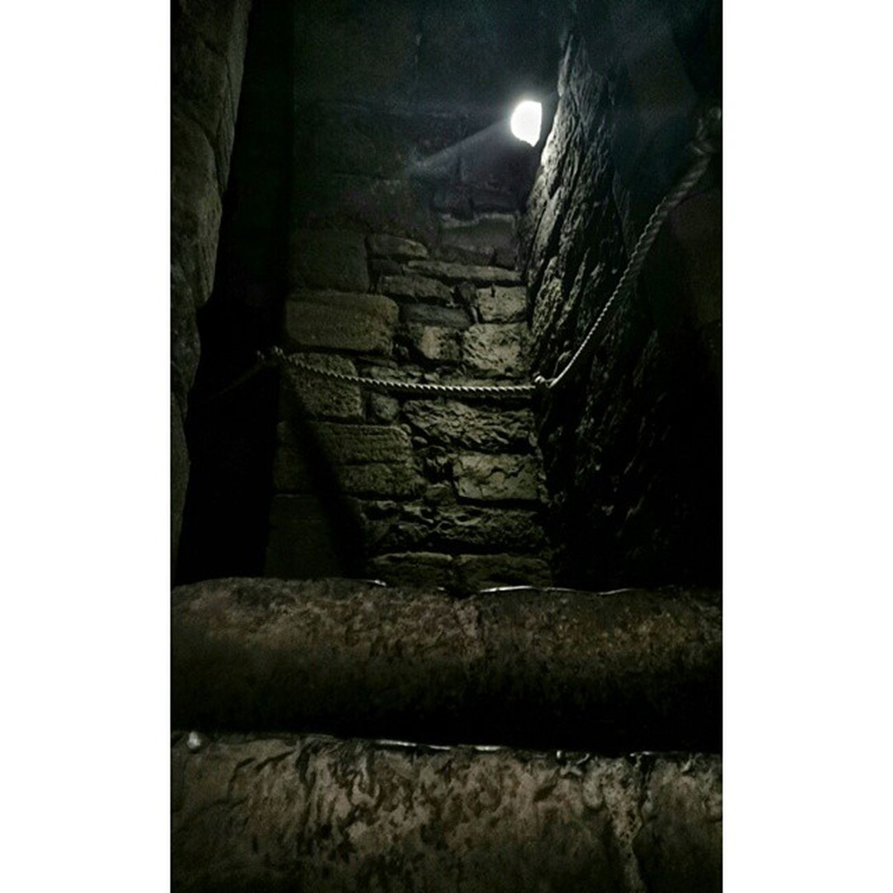Castle staircase.. Caernarfoncastle Historicbuildings Historic_captures Castle ig_britishislesukpotdloves_united_kingdomfiftyshades_of_historynexus_nationshadowsgloomgrabberdarkmasters_familyxperiacapturingbritain