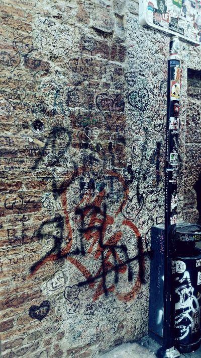 EyeEmNewHere Verona JulietsHouse Love Notes Wall Decoration