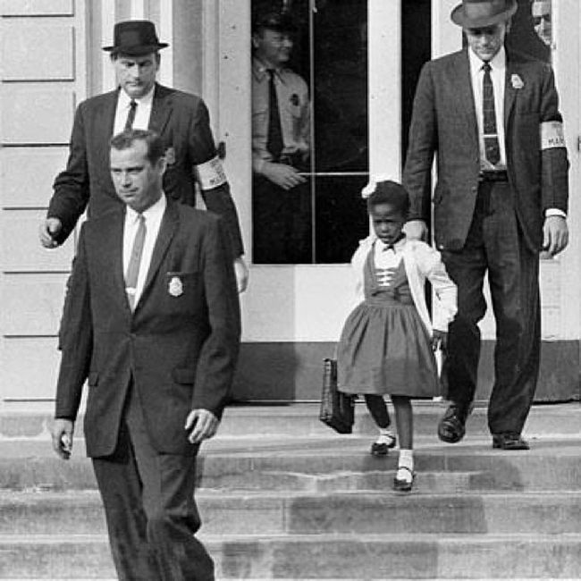 Ruby Bridges, the first African American to integrate a southern school (New Orleans) at age 6 in 1960. Integration Segregation  CivilRightsMovement Blackhistorymonth AmericanHistory RubyBridges
