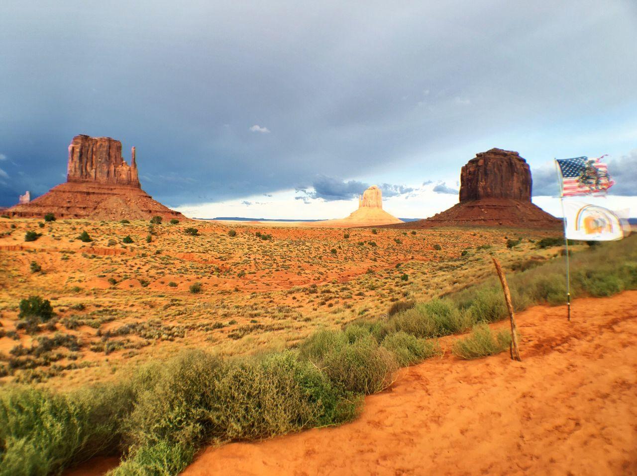 Beautiful stock photos of dunkel, American Flag, Arizona, Bush, Butte - Rocky Outcrop