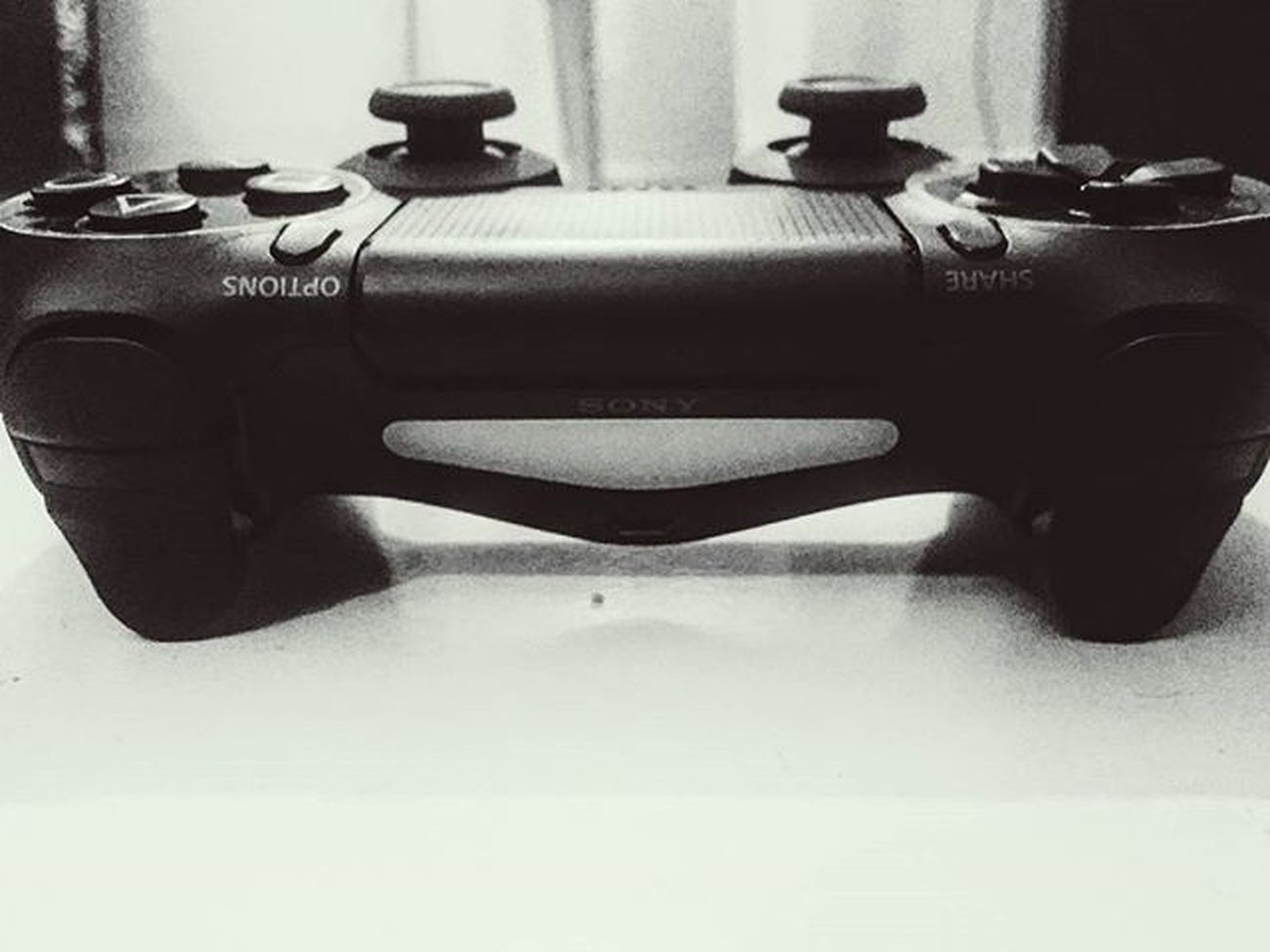 Peace is here PS4 Gaminglife Dualshock4 Graphics😍 Fifa16 Thrill Ab or kya chahiye yr zindagi se yr.. 😁😁