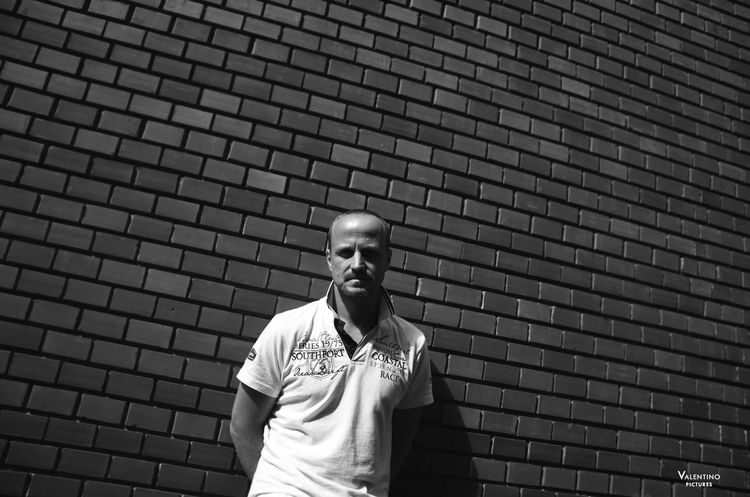 #actors #blackandwhite #budapest Architecture Day Front View Leisure Activity Lifestyles Men One Man Only One Person Only Men Outdoors People Real People Standing Sunlight Waist Up Watching