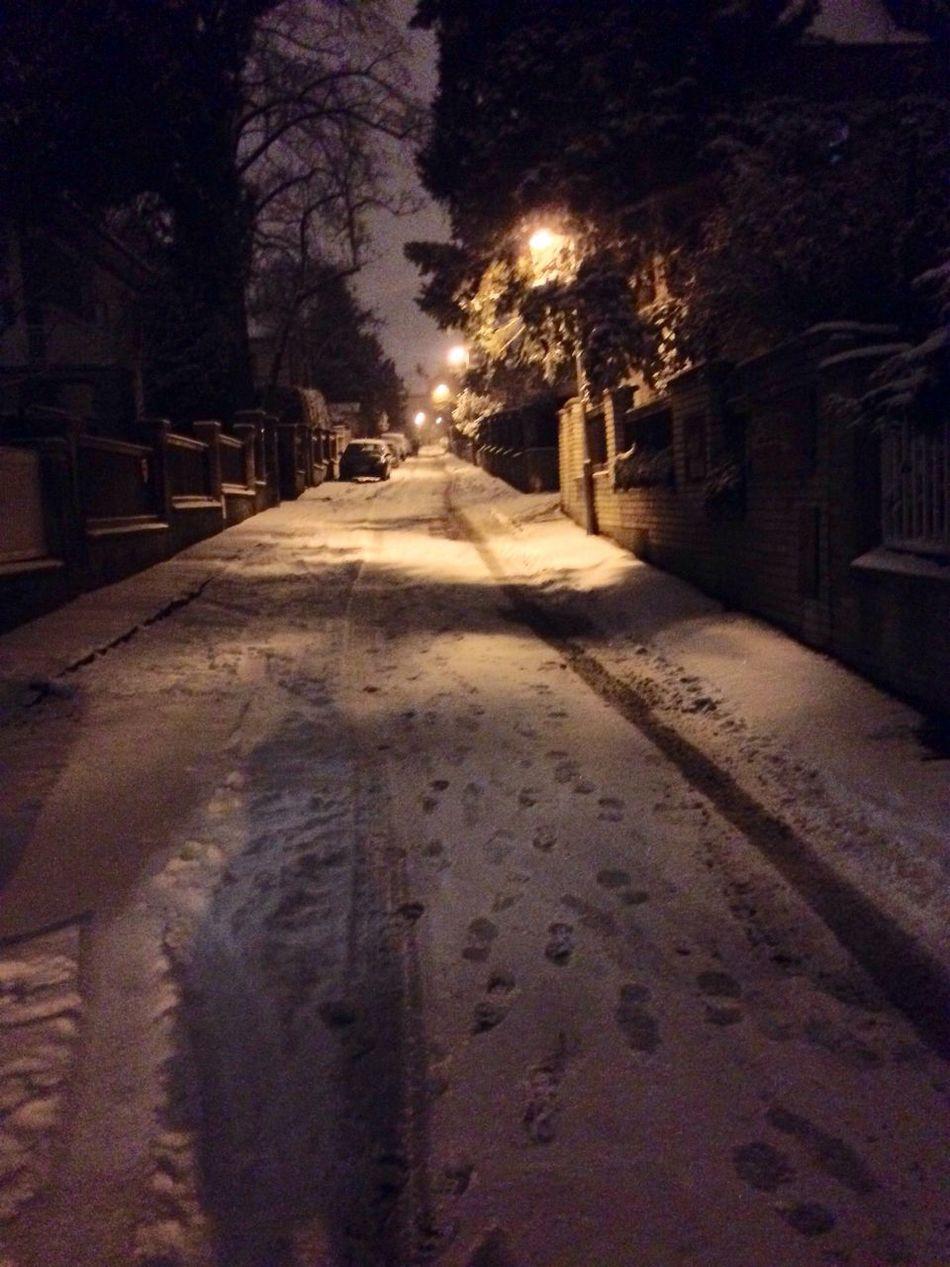 Snow ❄ Snow Street Romantic Still Life Streetphotography Street Lamp White No People Night Lights My Street Photography Smowy Scenes Night Nightshot Nightphotography