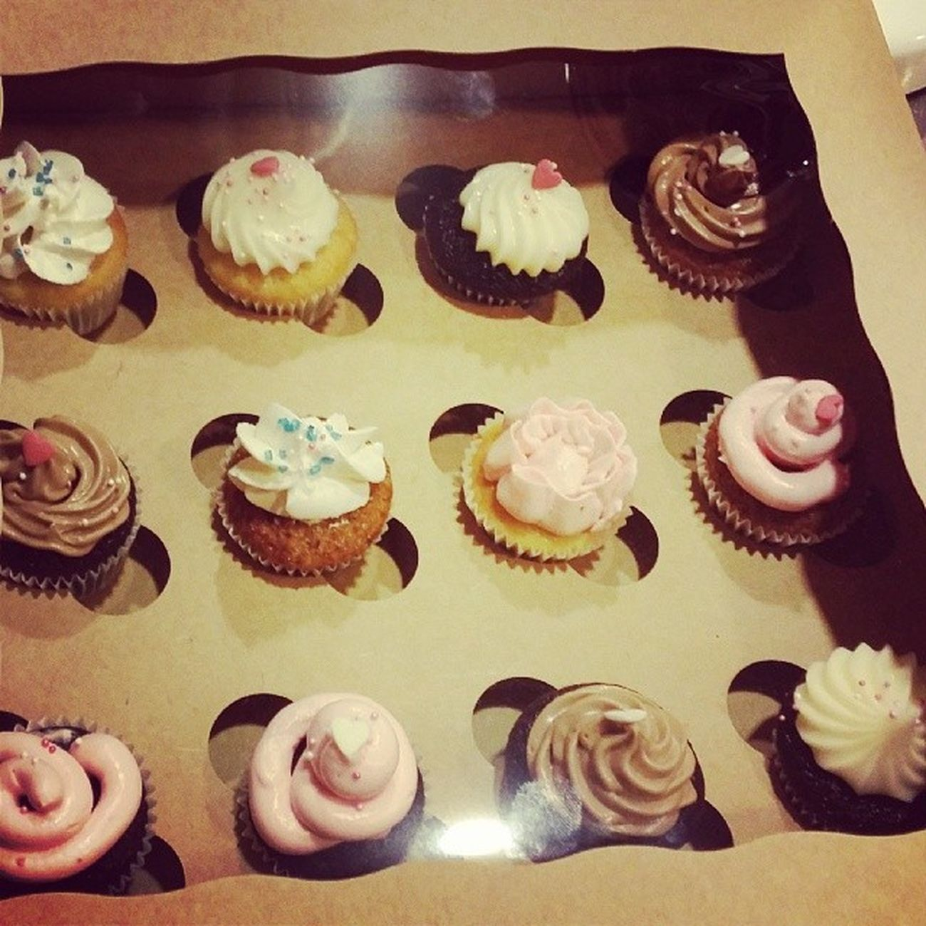 Ganz stolz auf unsere cupcakes :) Cupcakes Backkurs Tigert örtchen Annanikabu lecker yummy