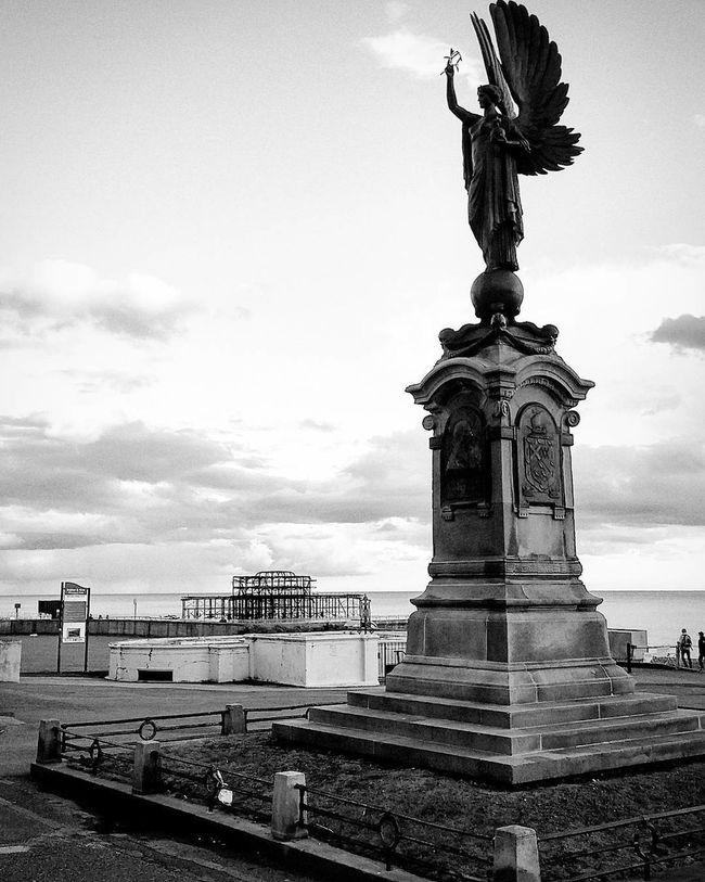 Taking Photos Hidden Gems  Brighton Seafront Lg Nexus 5x Sky Seaside Taking Photos England Sky And Clouds Brighton Statue Black And White Dramatic Brighton Beach England🇬🇧
