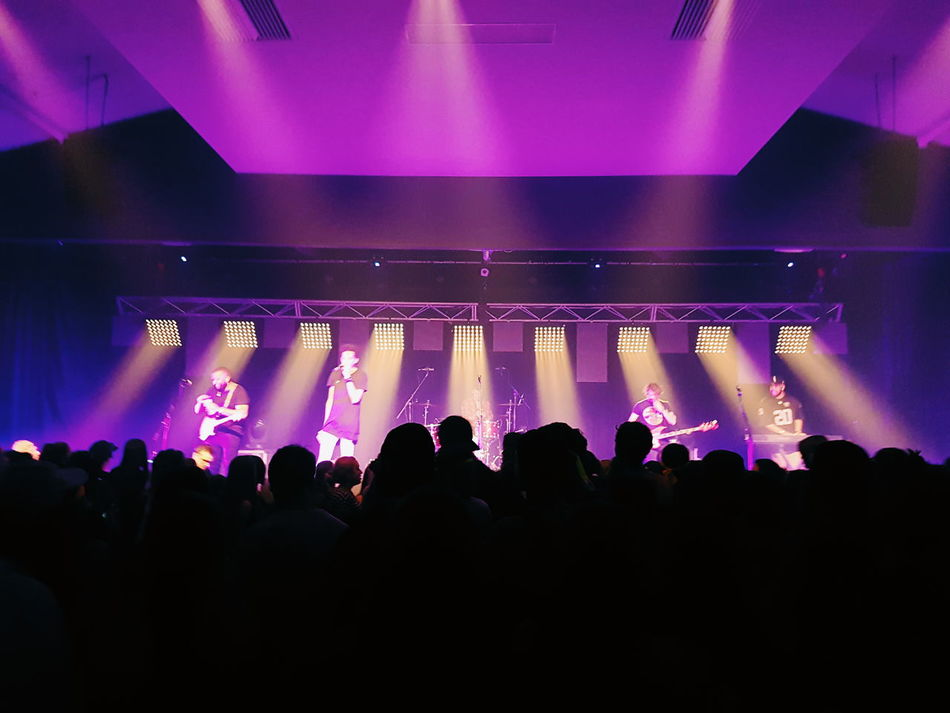 People And Places Arts Culture And Entertainment Indoors  Nightlife Large Group Of People Illuminated Togetherness Music Silhouette Crowd Live Music Light - Natural Phenomenon Enjoyment Person Youth Culture Nightclub Concert Event Spotlight Performance Lighting Equipment Vscocam Vscogood
