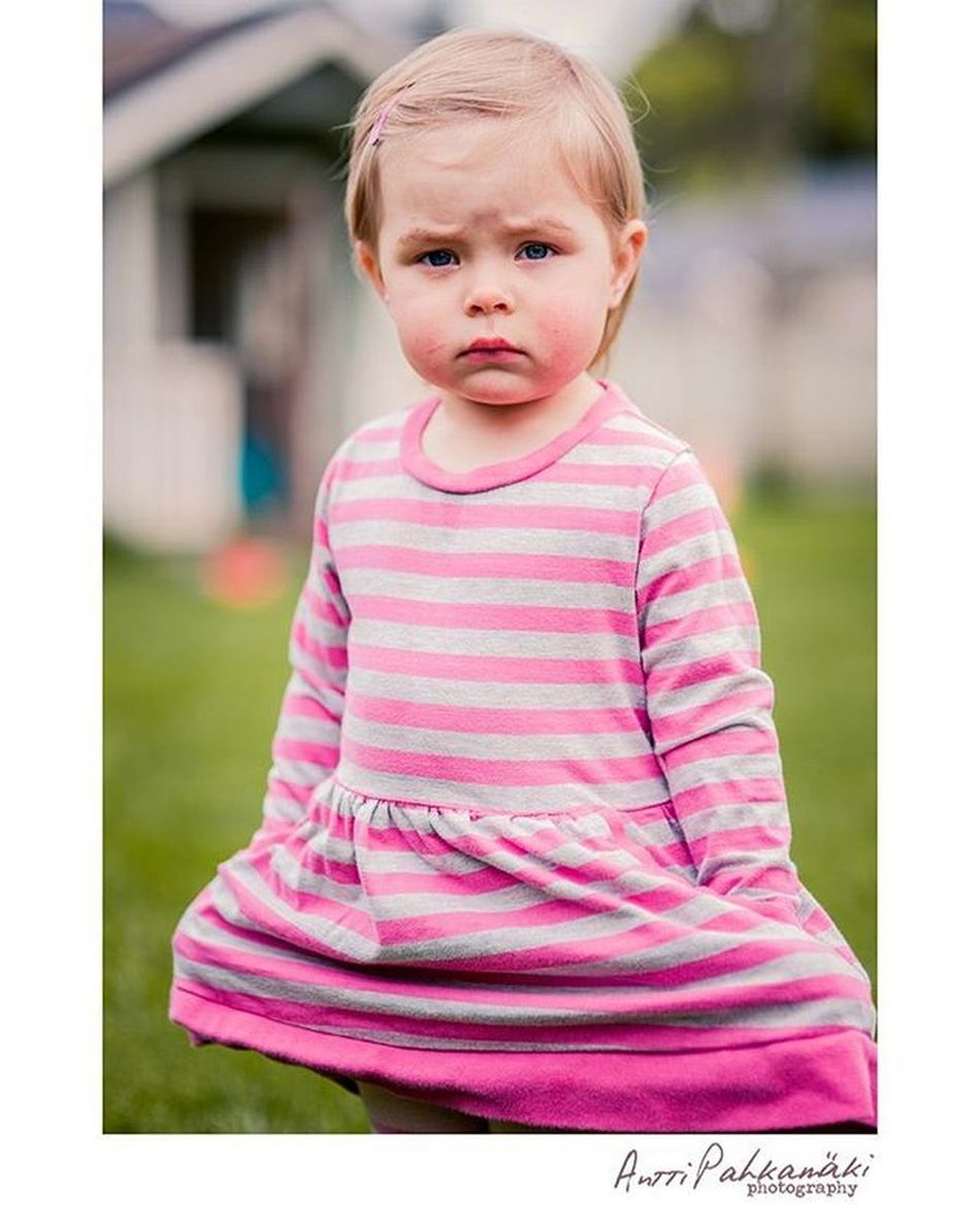 Serious little Miila Serious Picoftheday Childphotography Aww Cutekids Photooftheday Photographer