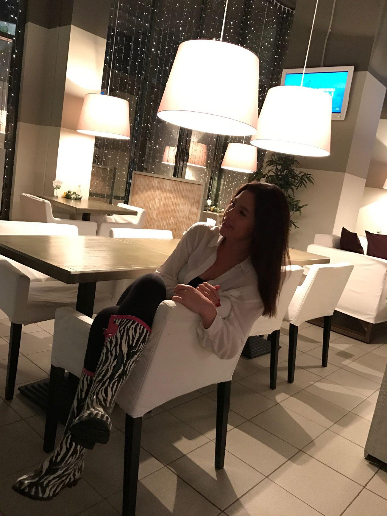 Идеальное время никогда не наступит! Life Is Beautiful Krasnaya Polyana Weekend Activities Friendship Women Sitting
