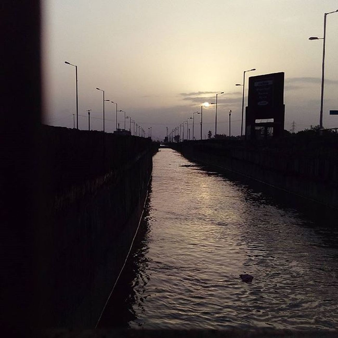 Morning_click Instamood Luv_Surat BRTS_CANNAL Developing_Surat Clk : me📷