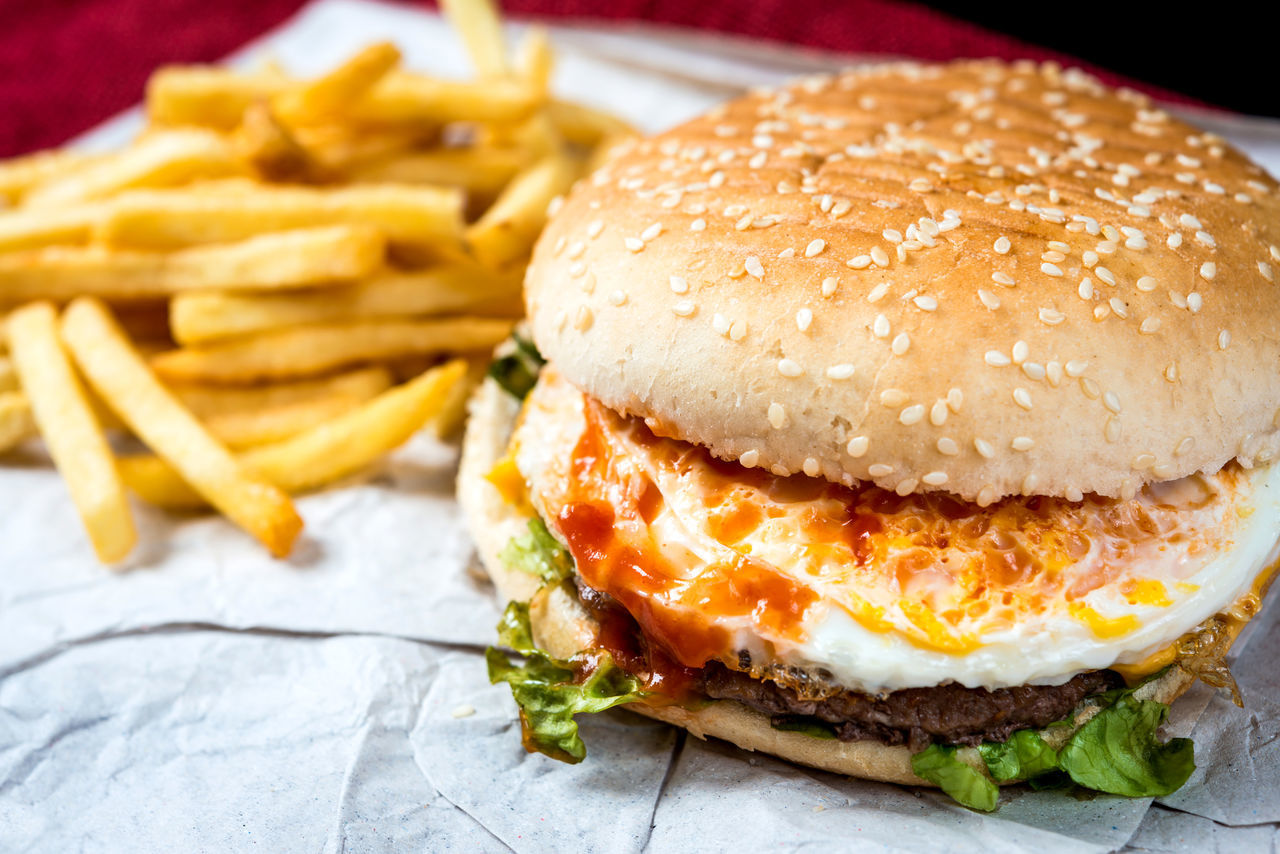 Bread Bun Burger CheeseBurger Close-up Deep Fried  Fast Food Focus On Foreground Food Food And Drink French Fries Freshness Fried Hamburger Indoors  Lettuce Meat No People Prepared Potato Ready-to-eat Sesame Take Out Food Unhealthy Eating