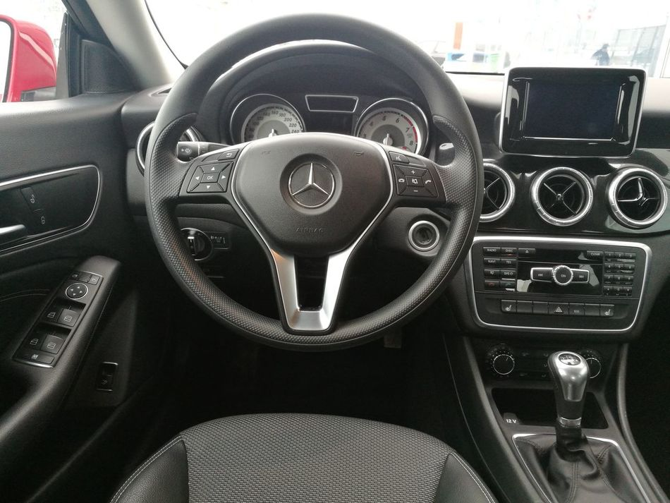 Mercedes Mercedes-Benz Car Cla