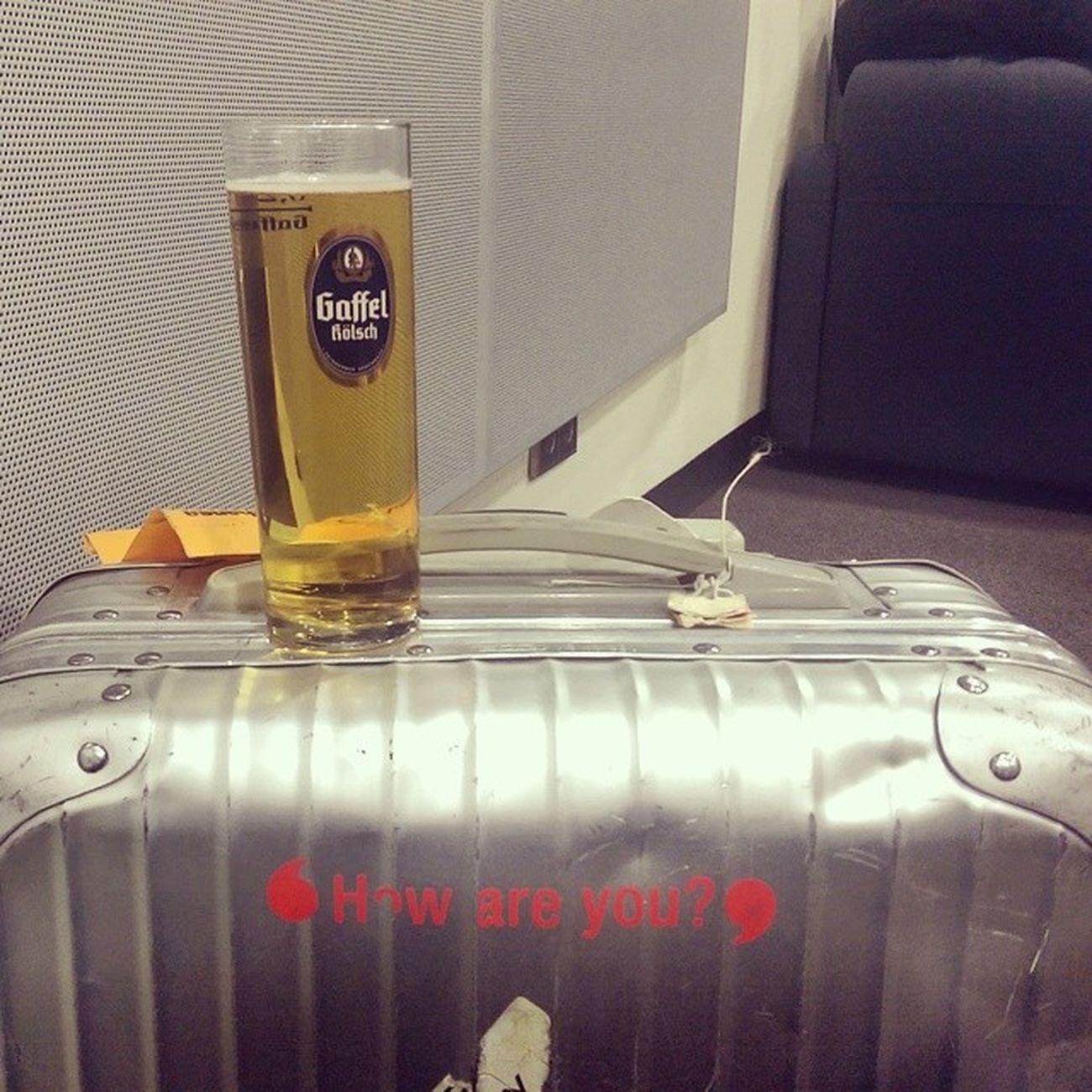 Immerhin ist bei der @Lufthansa das Bier inklusive. ;-) Beertweet ? Usager Ger AneurerSeite WorldCup2014