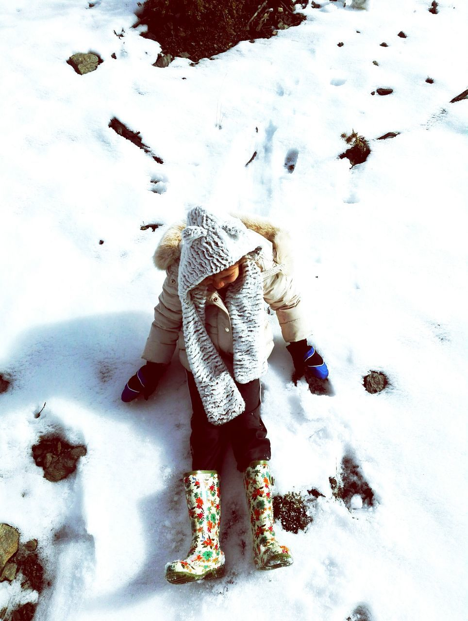 full length, snow, real people, standing, cold temperature, winter, one person, childhood, rear view, warm clothing, day, outdoors, nature, low section, people