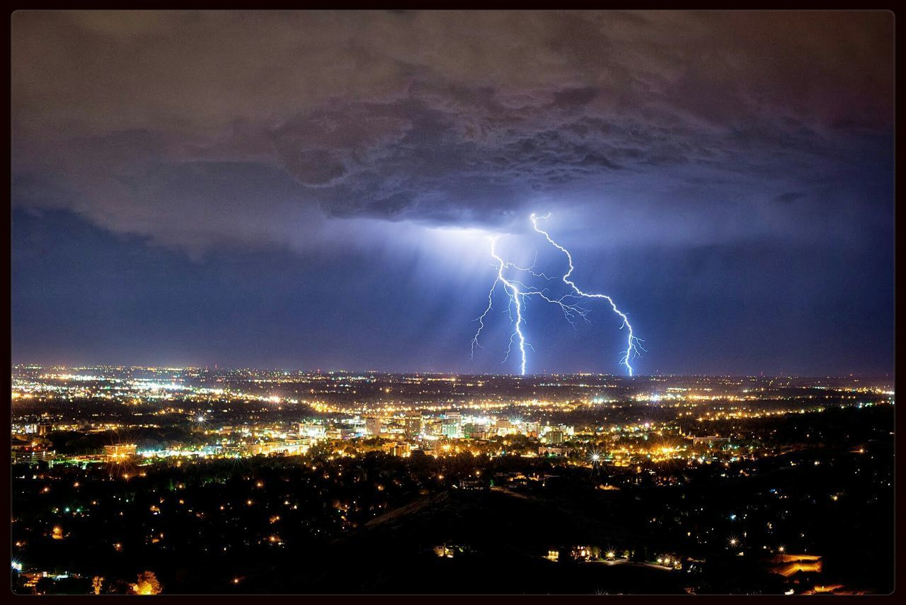 Lighting storm Boise Idaho Lightning Bolt Storms EyeEm Bestsellers The City Light