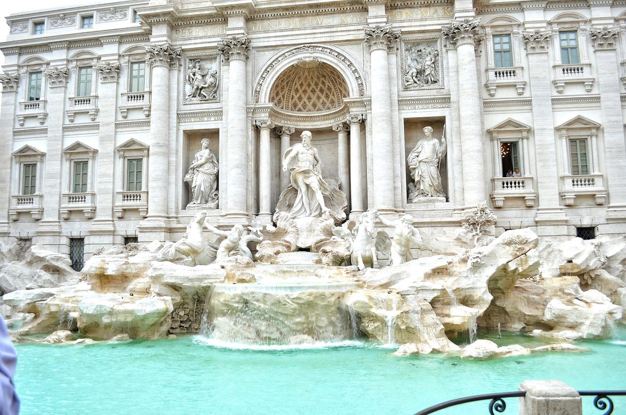 Fontana Di Trevi Italy Beautiful Fountain Architecture Travel Destinations Tourism Cultures Building Exterior Taking Photos Walkway Enjoying Life Urban Exploration EyeEm Gallery City Lifestyles Architecture History Famous Place Eyem Gallery
