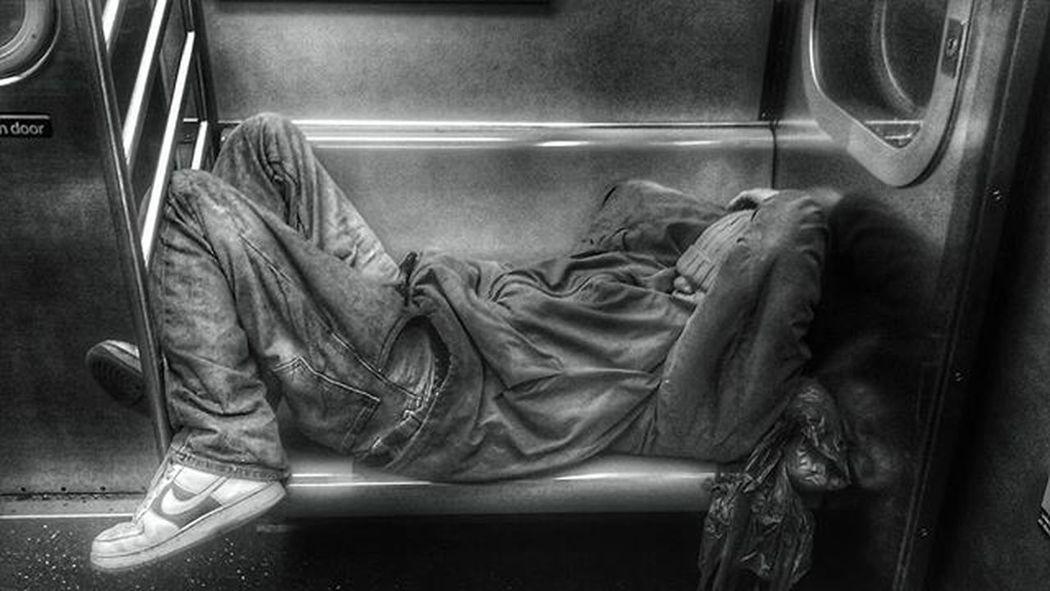 Sleep game is strong Nyc_uncut Gameoftones NYC Nyphotographer Nycphotographers Street Photography Streetphotographer Streetimage Streetdreammag TheCreatorClass Jointheclass Feedissoclean Burndiary Street_photo_club Whatisawinnyc Nycprimeshot Newyork Blackandwhite Bw_crew Blackandwhiteisworththefight Nyclove Amazingpic Nypics Nypix