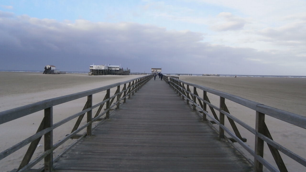 More than one km long wooden pier in St. Peter-Ording, Germany Beach Bridge - Man Made Structure Germany Horizon Over Water Nature Nordsee Nordsee Feeling🐚🌾 Nordseeküste Outdoors Schleswig-Holstein Sea Seebrücke Showcase October St Peter Ording Wooden Bridge Autumn🍁🍁🍁
