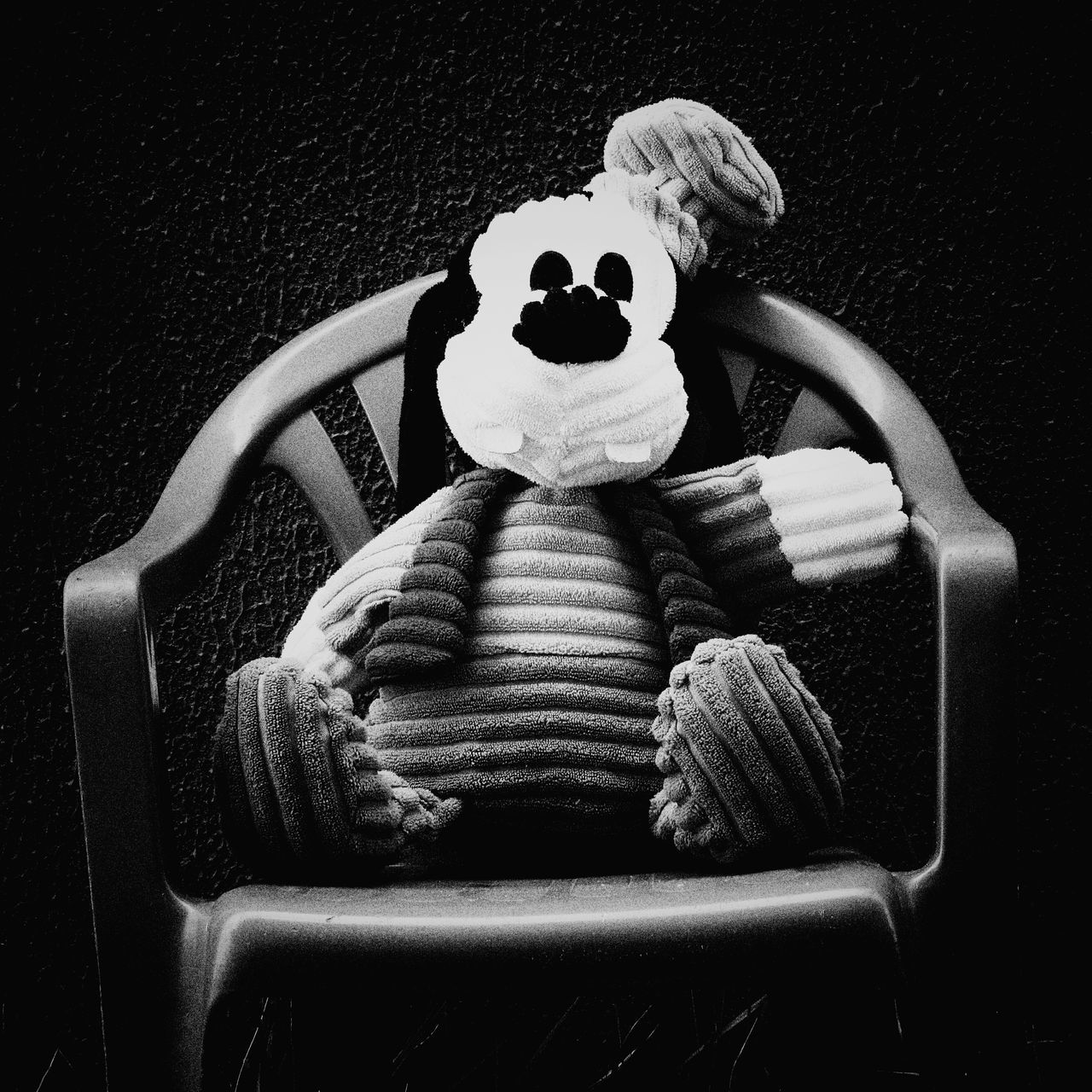 Praticando objetos. Still Black And White Innocence Outdoors Outdoors Modografiabrasil Modografiavisual Modografia Omegafly Toys Brinquedos