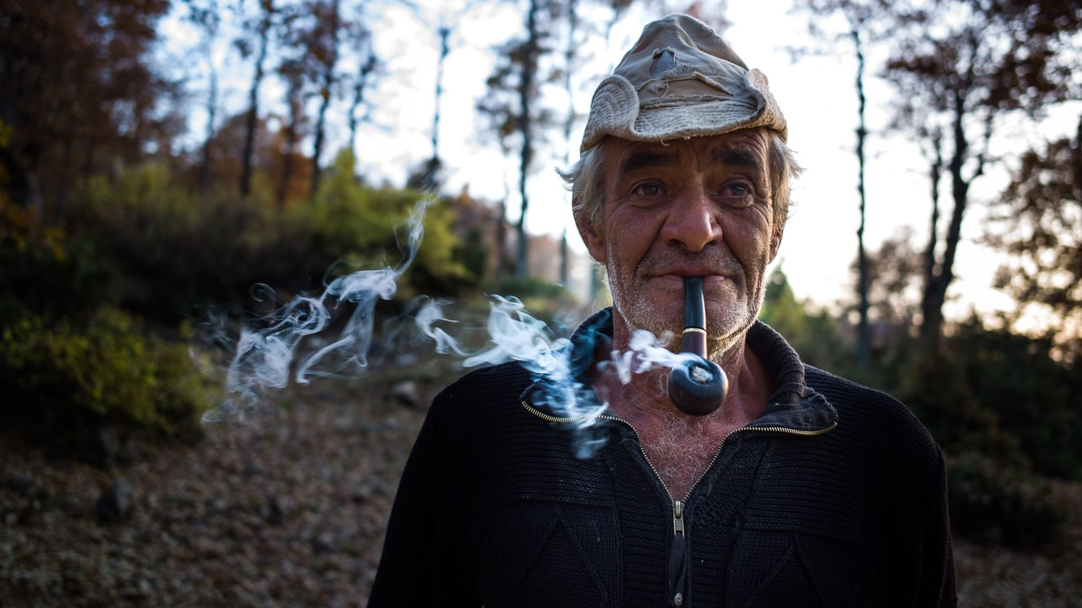 Picturing Individuality he is what he is. A man who decided to leave everything behind and live in the mountains. Smoking Pipe Smoking Pipe Man Woods Farmer Agriculture Nature Portrait Portraiture The Portraitist - 2015 EyeEm Awards Old But Awesome