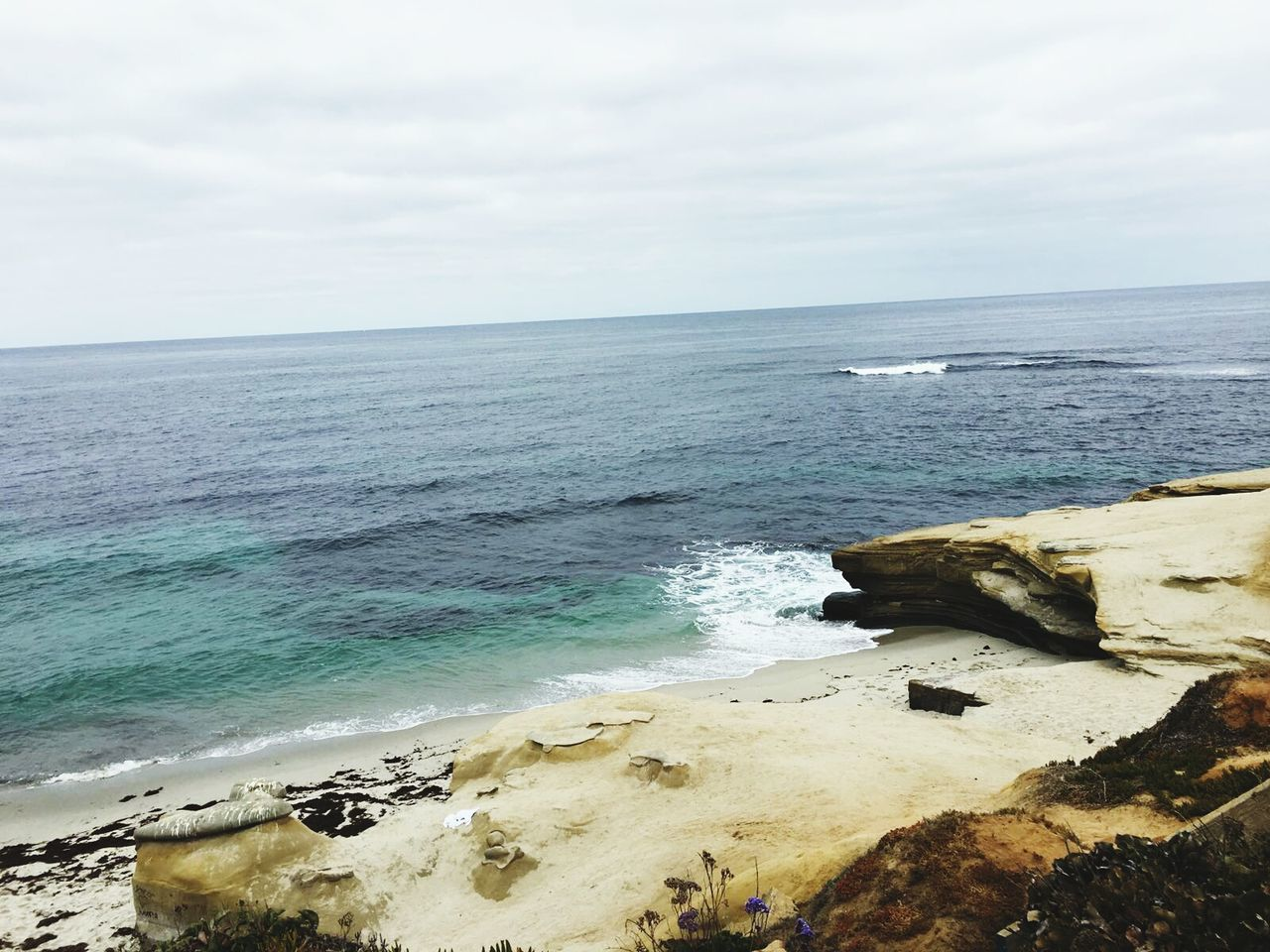 sea, horizon over water, water, nature, scenics, beauty in nature, sky, tranquil scene, tranquility, rock - object, outdoors, beach, no people, day, wave