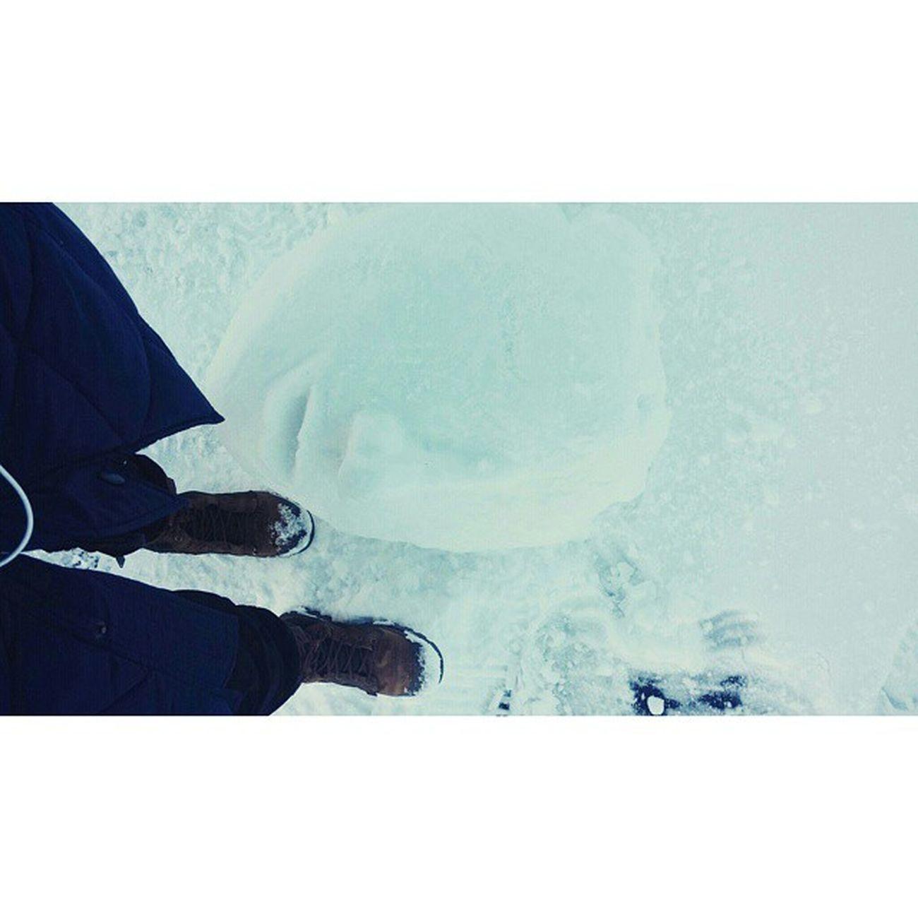 do you wanna build a snowman~⛄♥ 우크라이나 키예프 Kiev 드네프르강 에서 4시간 덜덜 떨면서 만든 Snowman 눈 눈사람 발스타그램 신스타그램 팔라디움 팔라듐