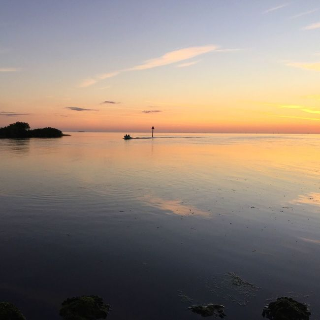 Sea Horizon Over Water Water Sunset Water Reflections River Tranquil Scene Idyllic Beauty In Nature Sky Seascape Majestic Boat People Getting Away From It All Nature Calm Blue Summer Dramatic Sky Atmosphere Scenics People And Places. Shootermag
