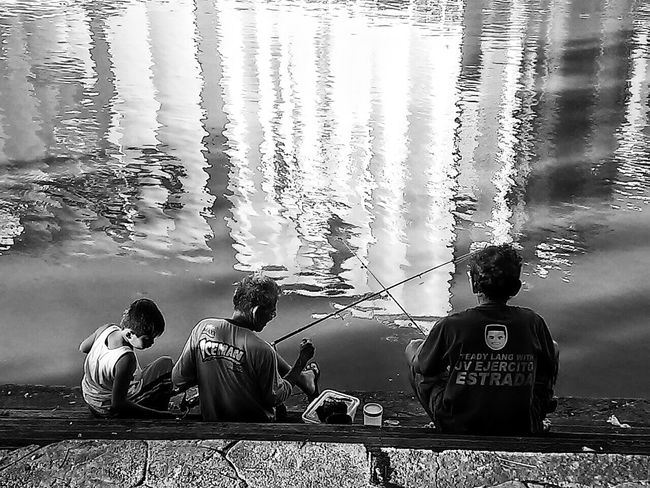 By the River Pasig I weep. Eyeem Philippines Mobilephotography Taking Photos This Is Philippines My Country In A Photo Street Photography EyeEm Manila Capture The Moment Blackandwhite Bw_collection Everyday Philippines Everyday Lives The Human Condition Streetphoto_bw Streetphotography Everybodystreet Mobilephotographyph Mobilephotographyphilippines The Street Photographer - 2016 EyeEm Awards