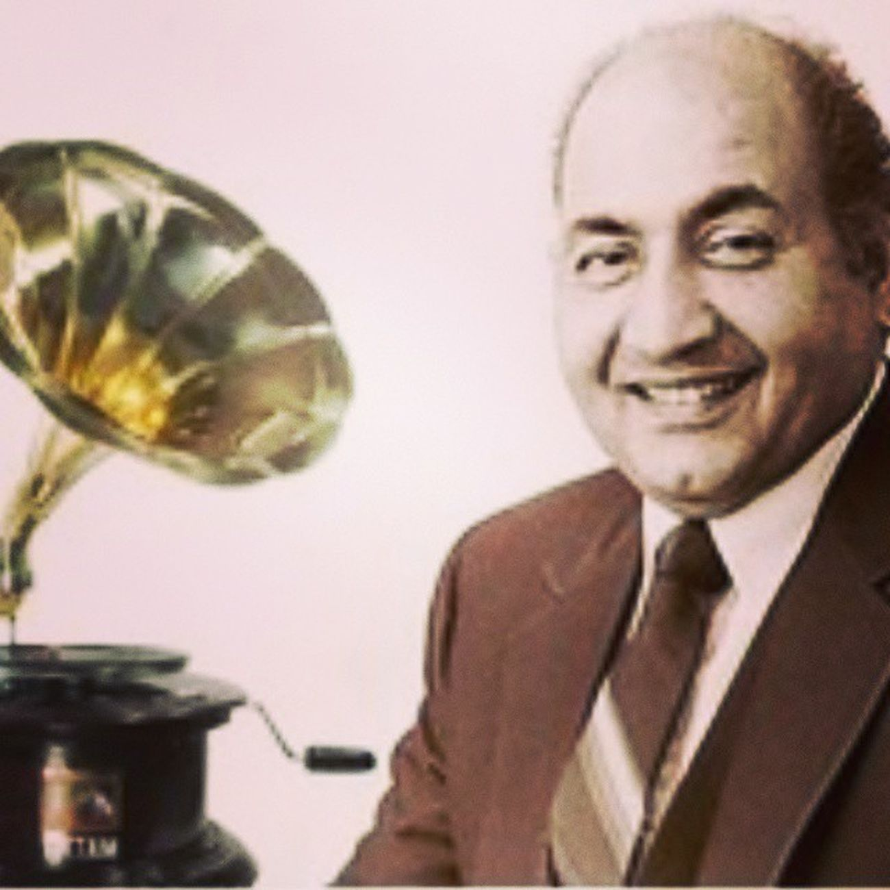 Remembering on 90th birth anniversary the great versatile & classical singer MohammedRafi ..!!