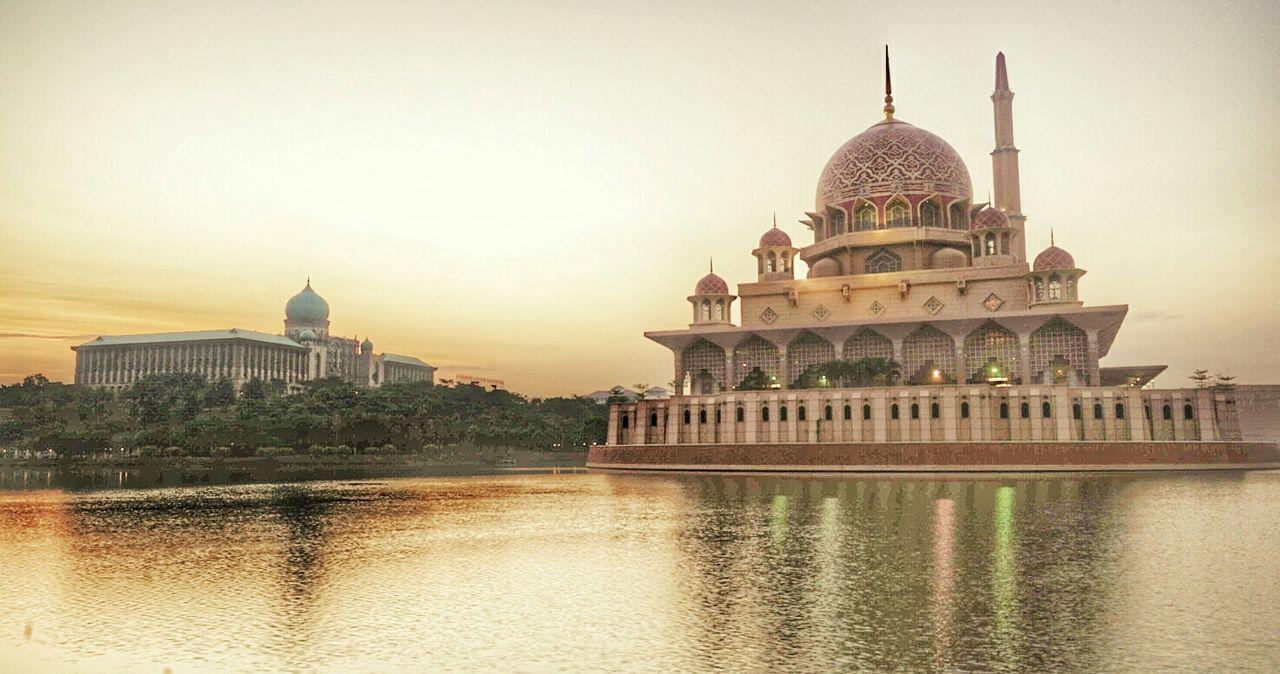 Sunrise at Putrajaya Mosque Mosque Masjid Putrajaya