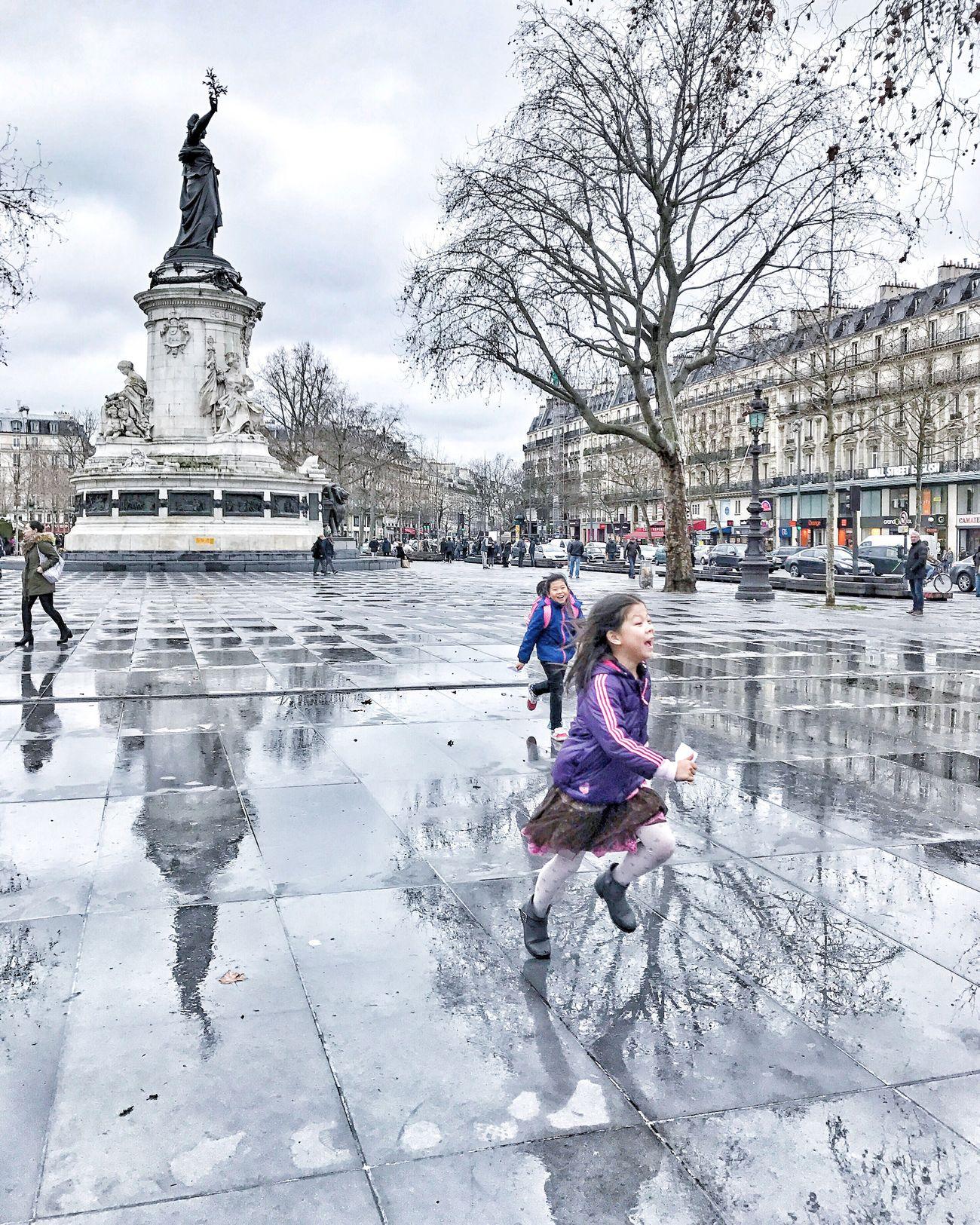Good Evening Paris! Bonsoir Paris! Winter Outdoors Parisweloveyou EyeEm Best Shots Eyem Best Shot - Architecture Paris Photooftheday Paris ❤ Reflection