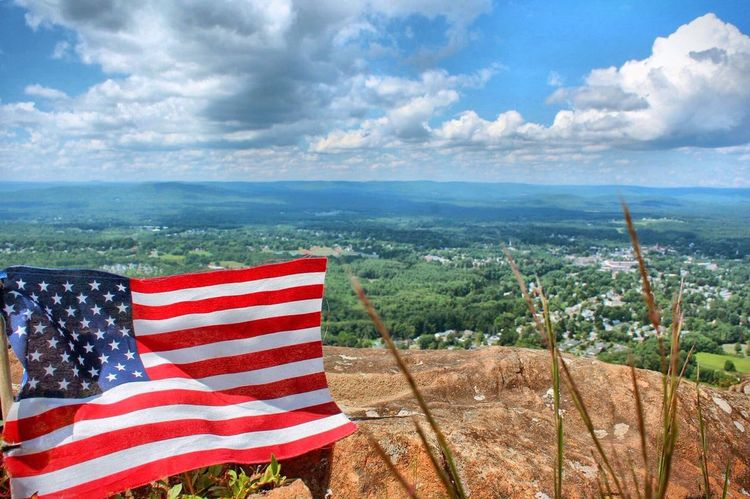 America American Flag View View From Above Mountain Summit Summit View Check This Out Travel Photography New England  Massachusetts Mt Tom