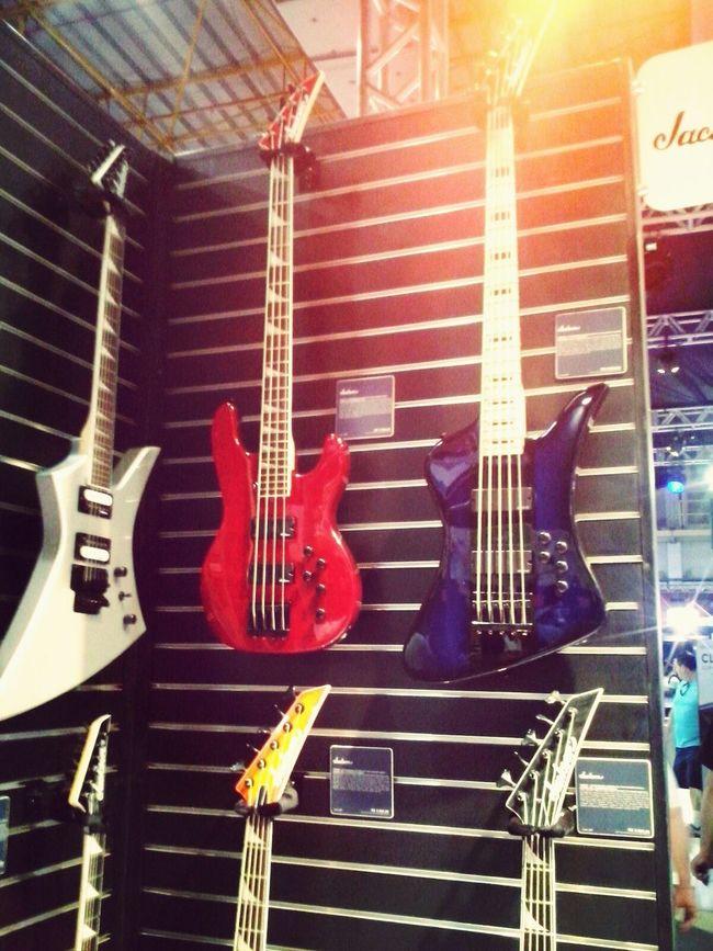 Simplismente um sonho de tão perfeitas Expo Music Expo2015 Guitar Guitarras