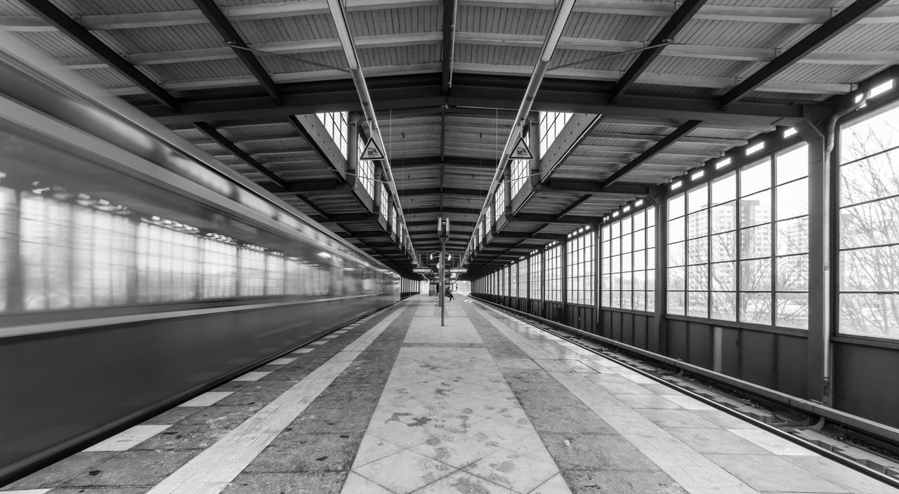 Architecture Black & White Black And White Blurred Motion Built Structure Day Indoors  Motion No People Public Transportation Railroad Station Railroad Station Platform S-bahn S-bahnhof Subway Subway Station Transportation Transportation