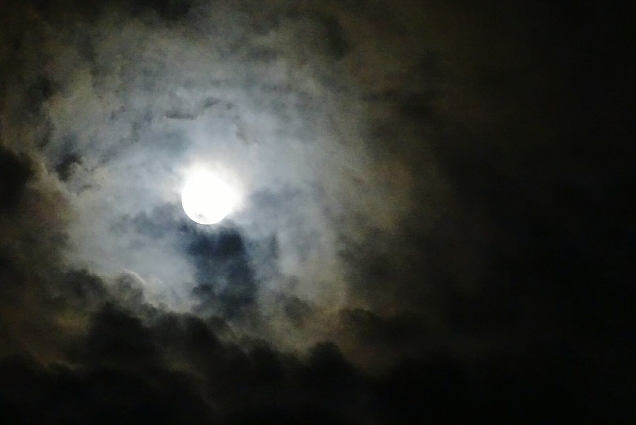 Full Moon Moon Cloud - Sky Night Majestic Glowing Tampico Overnight Success