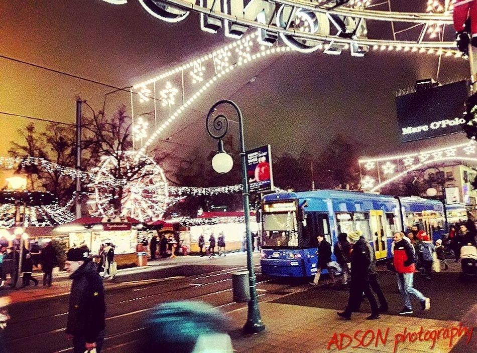 Am Abend Large Group Of People City ADSON....📷❤ ADSONphotography AMMAR ADSON خريف الثورة_مستمرة Cold Temperature Istanbul Bridge - Man Made Structure City Full Length Market Outdoors Text Men Christmas Market غرباء GutenNacht Leisure Activity ماضي ثورة City Life Adults Only