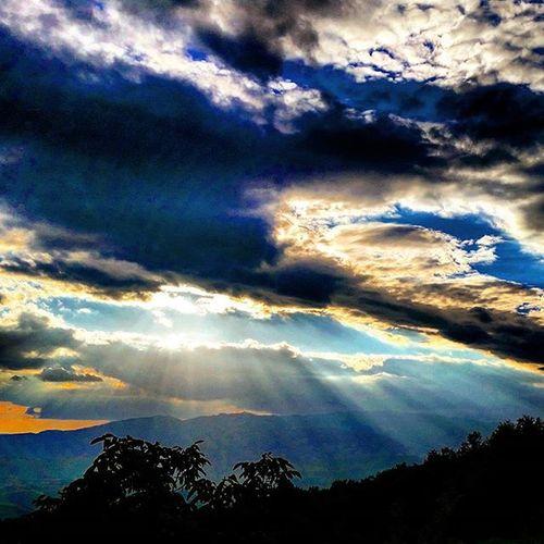 Casina della Burraia sky... amazing. ..Casina della burraia, Tuscany, Italy Tuscany Visitarezzo Arezzo Toscana Italia Italy Casinadellaburraia